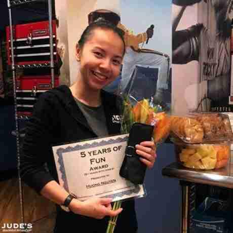 Employee-Award-Huong