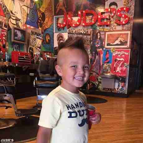 Kentwood_boys-haircuts_MI_Kentwood_6058-Kalamazoo-Ave-SE_-460x460