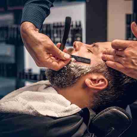 Straight-Razor-Face-Shave